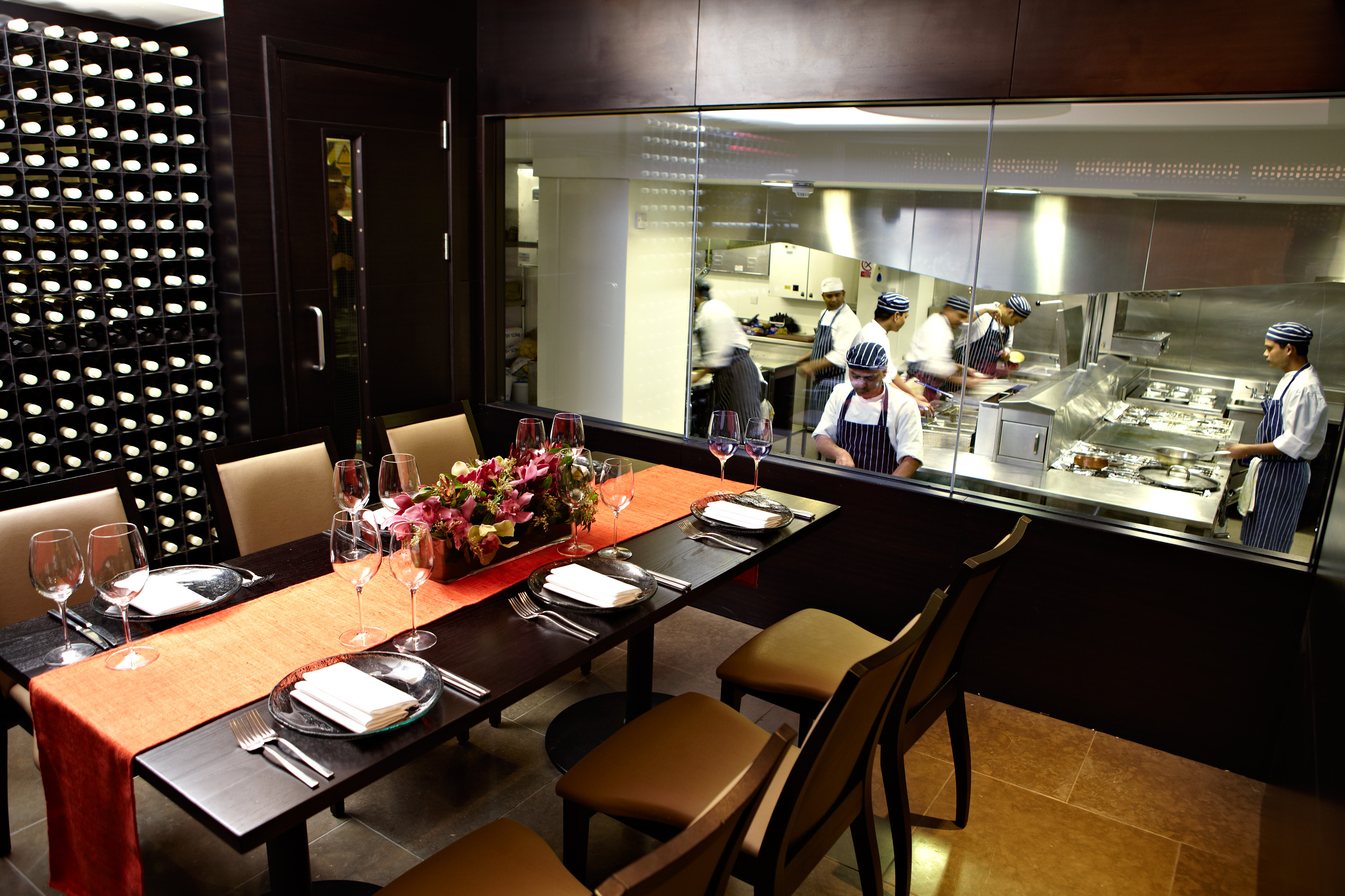 10 of the best chef s tables in the uk luxury restaurant for The table restaurant