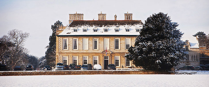 stapleford-park-in-the-snow