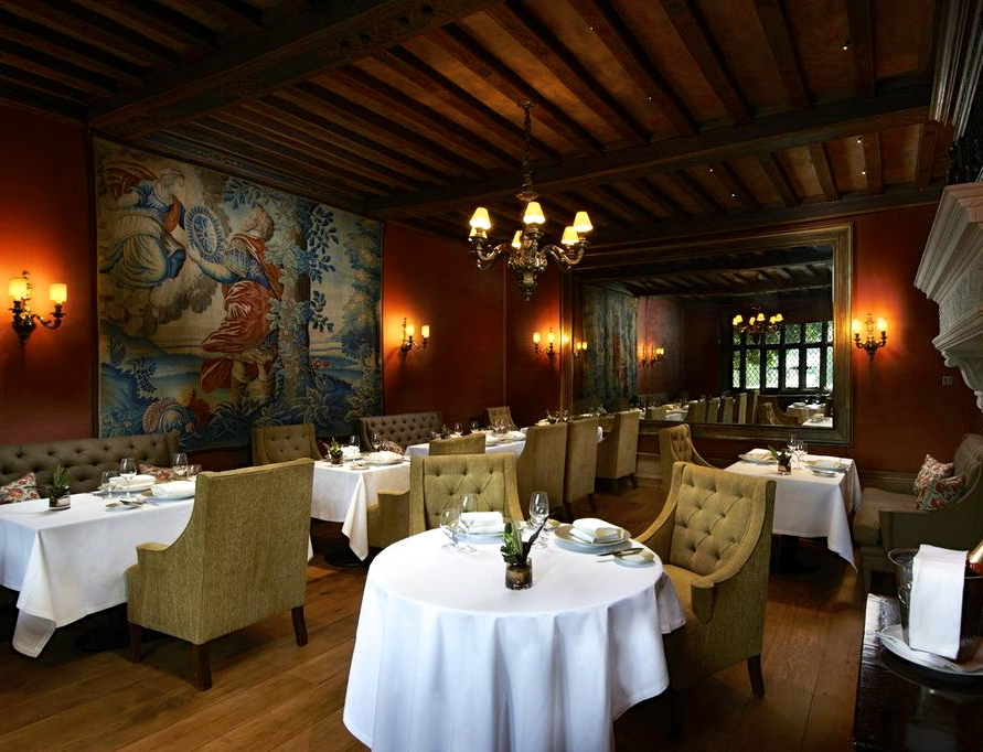 Great-Fosters-Tudor-Room-Dining-Great-Fosters-Surrey-Dining-Gift