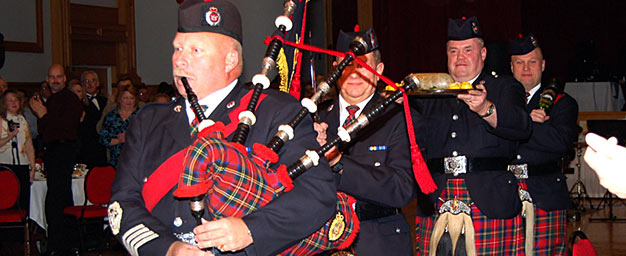 piping_in_the_haggis