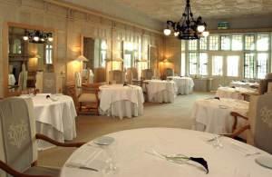 Danesfield_House_2008_-_Oak_Room@feature