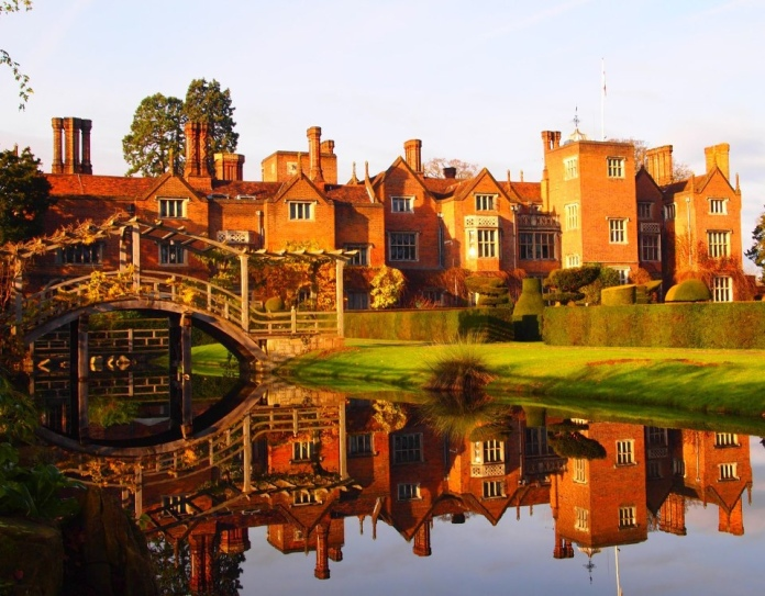 Egham Wedding Venue: Top 5 Restaurants To Take Your Dad For Father's Day