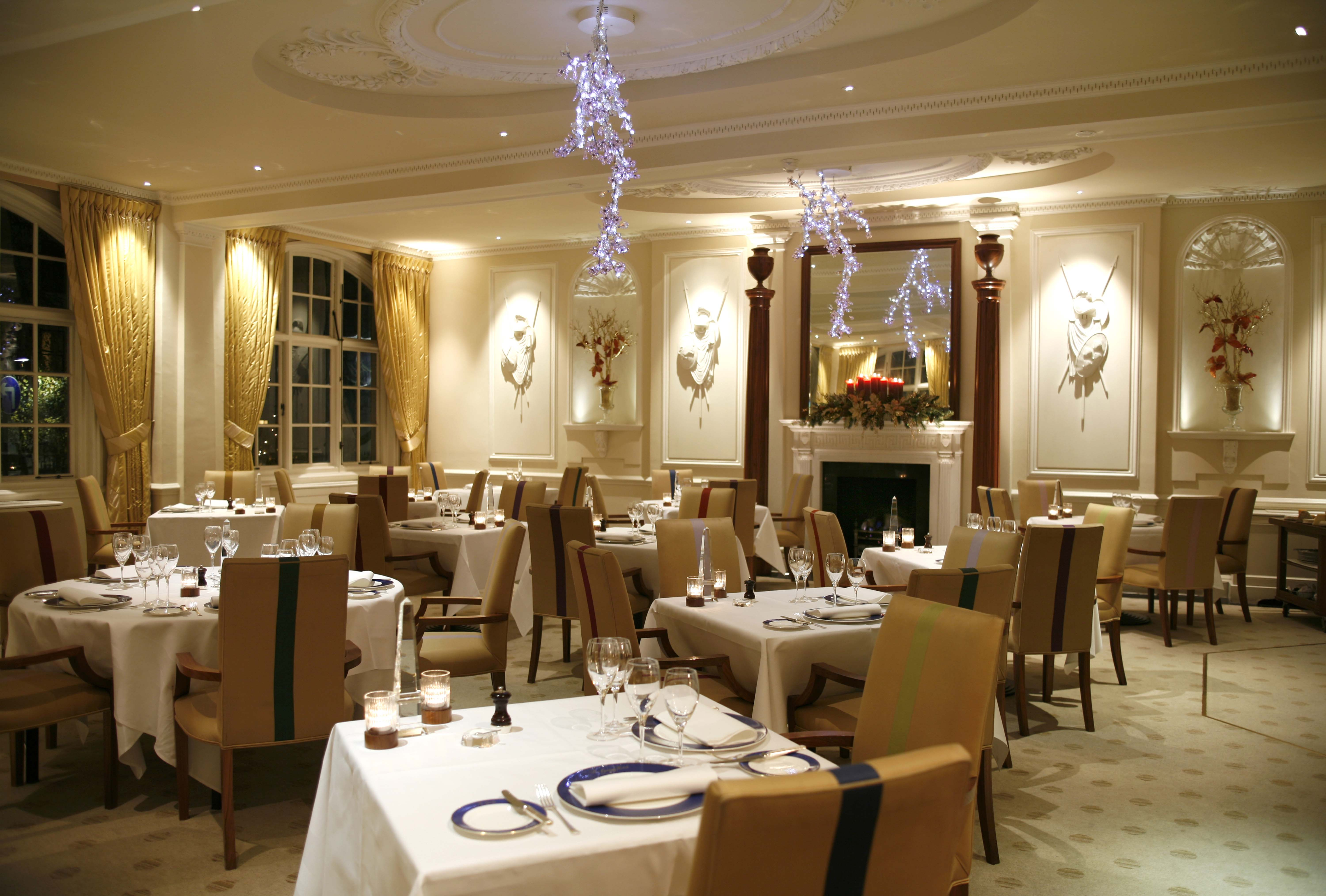 10 best restaurants in london to go for thanksgiving the for Dining room suites images