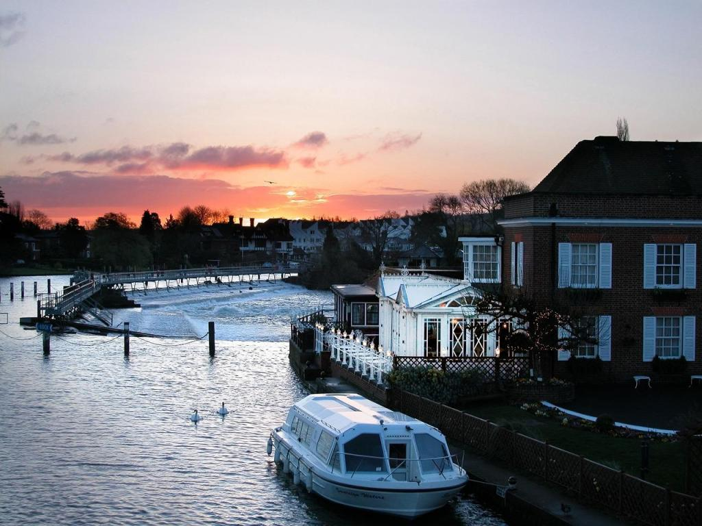 Macdonald Compleat Angler and Sovereign Waters sunset