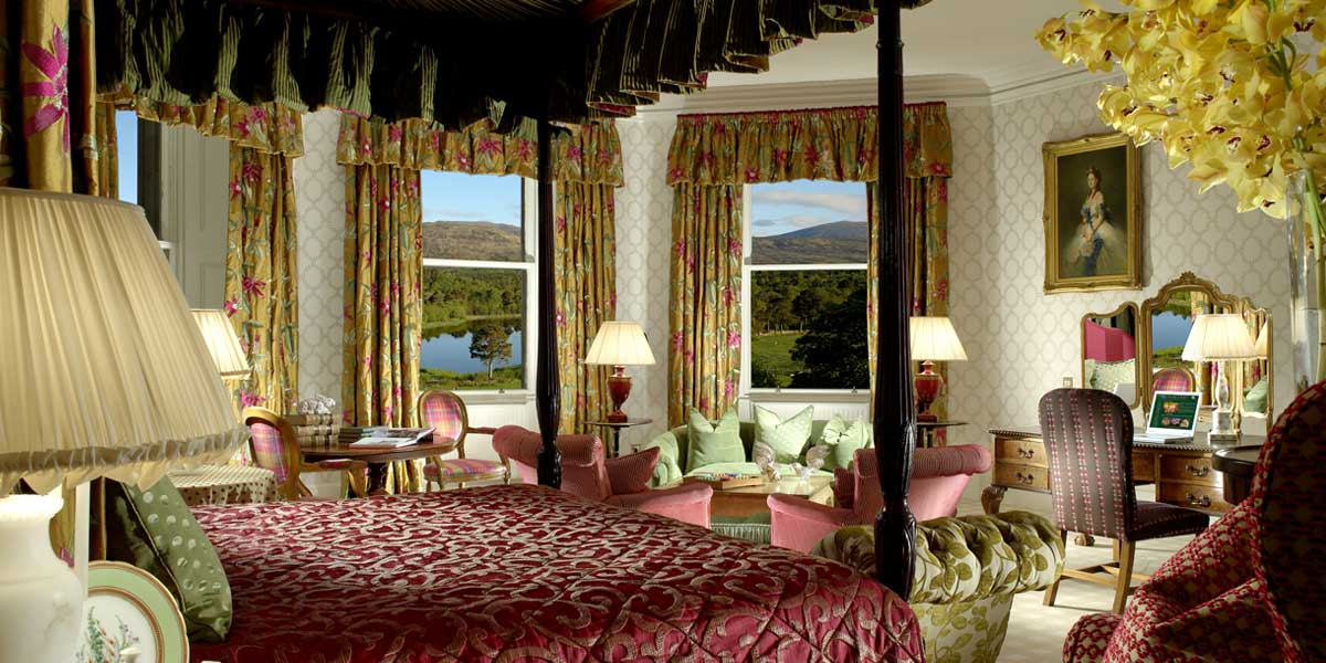 10 most romantic hotel rooms in the uk the lrg blog - Canopy bed decorating ideas ...