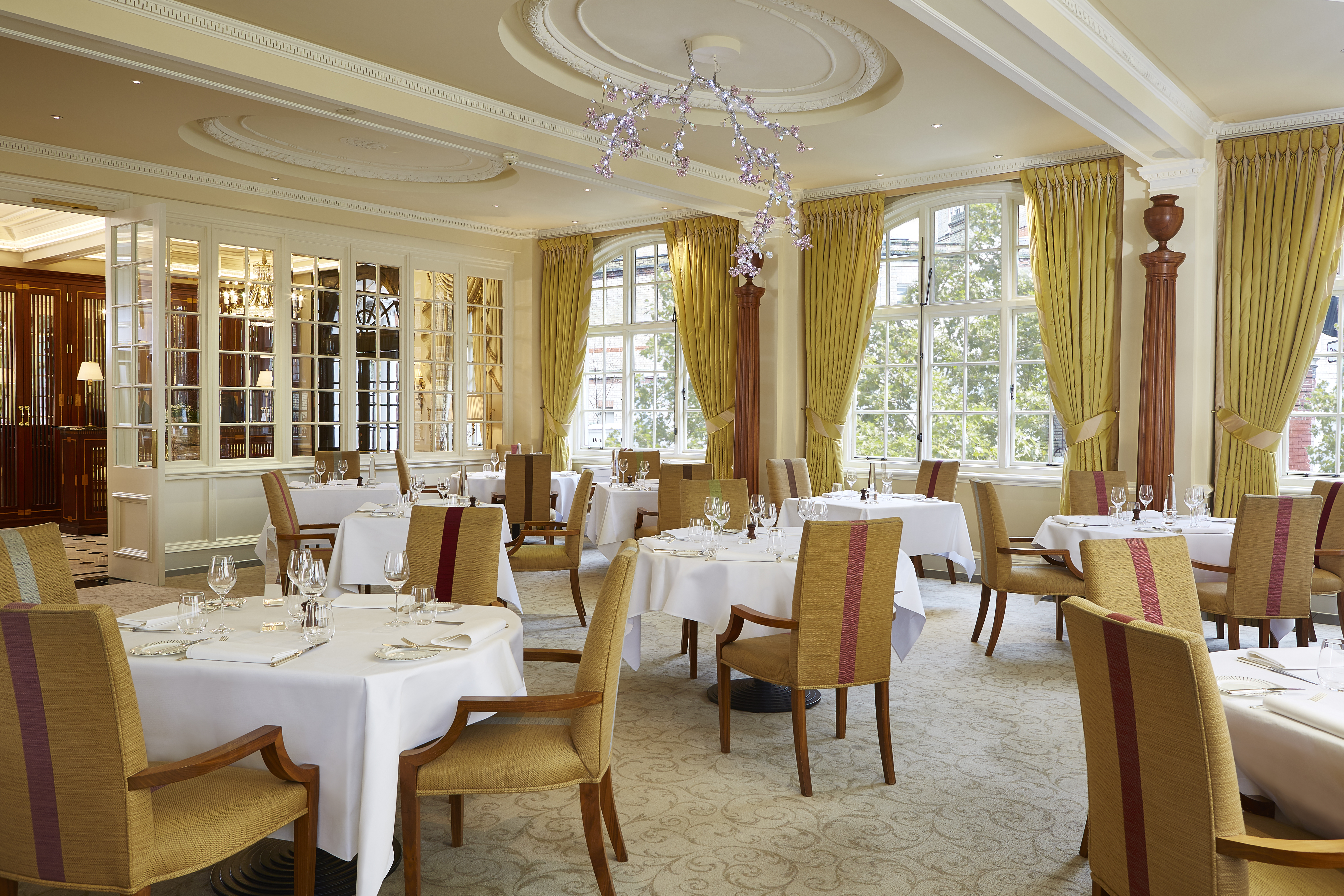 Restaurant Review  The Dining Room At The Goring Hotel Beeston - Hotel dining room furniture