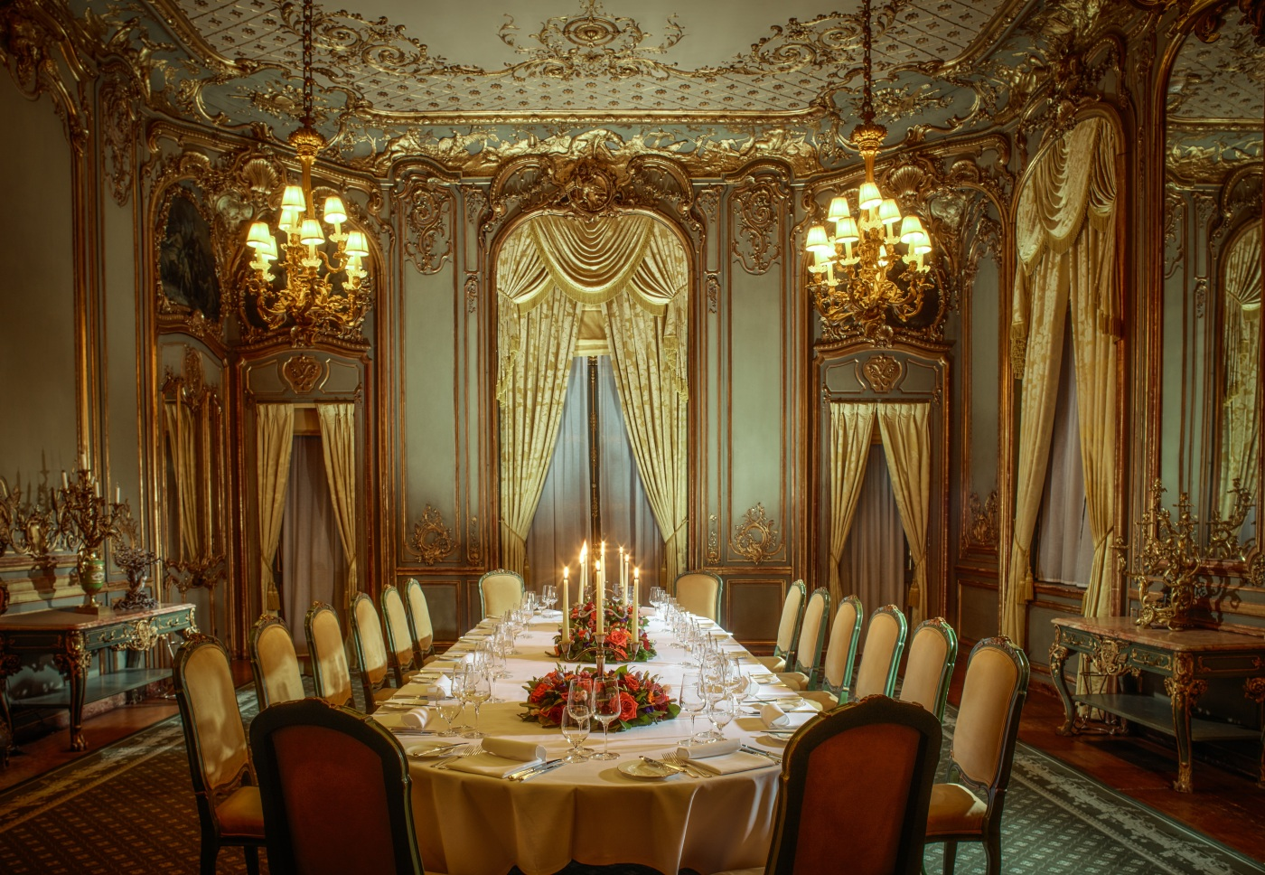 The most luxurious private dining rooms in the uk the for A dining room in french
