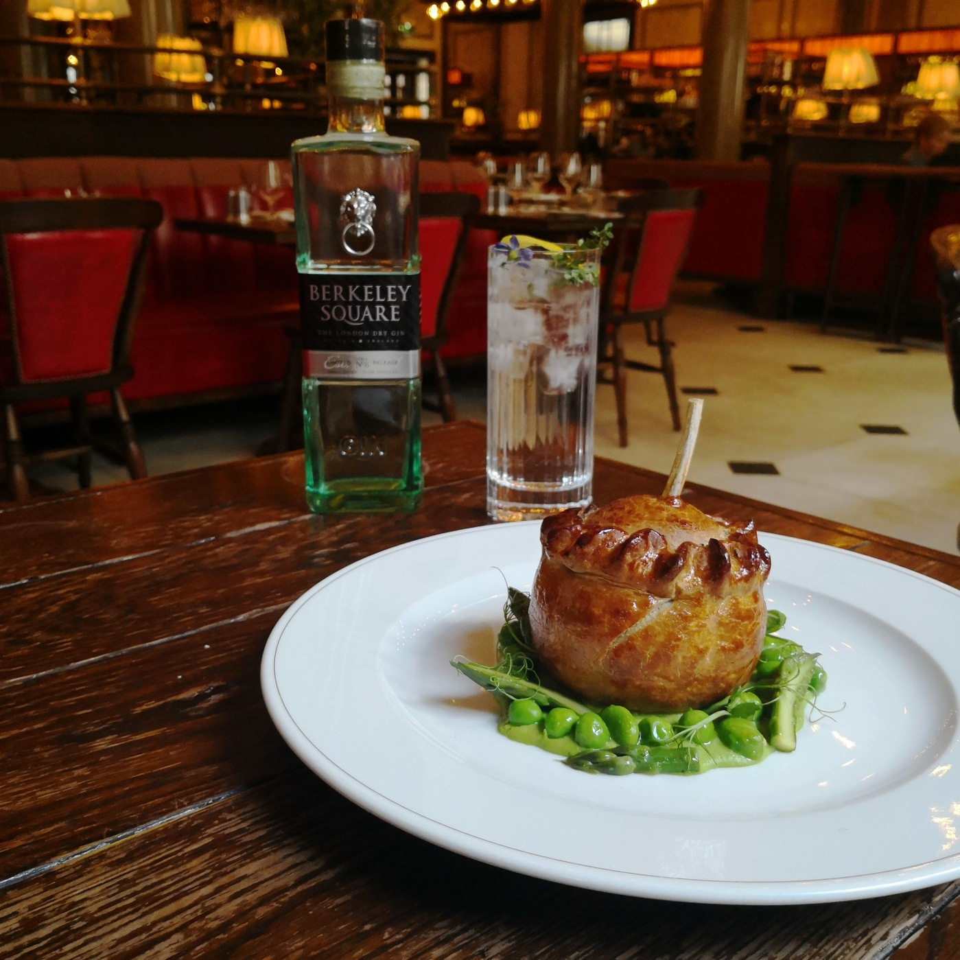 Holborn Dining Room_Royal Wedding Pie & Cocktail_01.05.2018.jpg