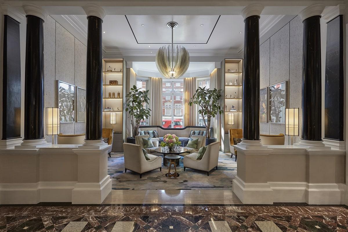 london-2017-hotel-lobby-01-min