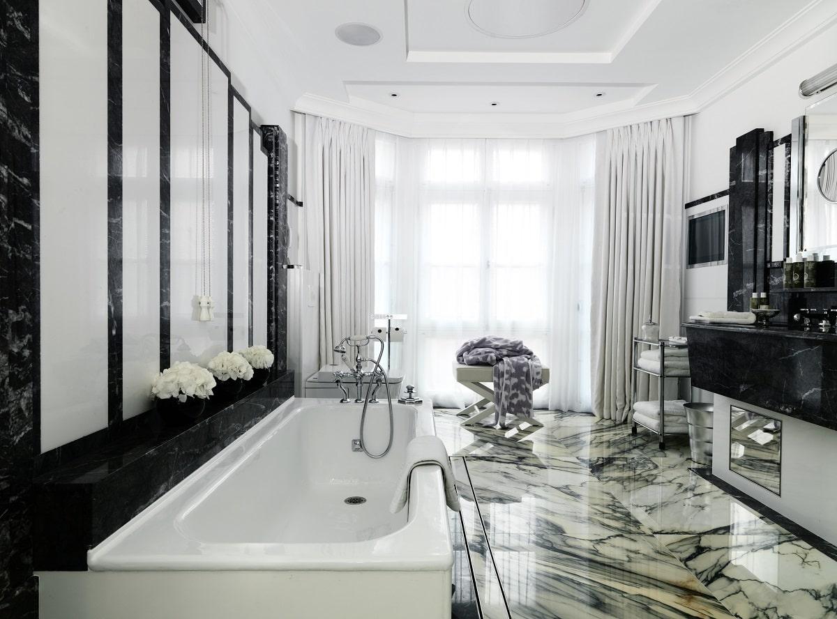 claridges bathroom-min