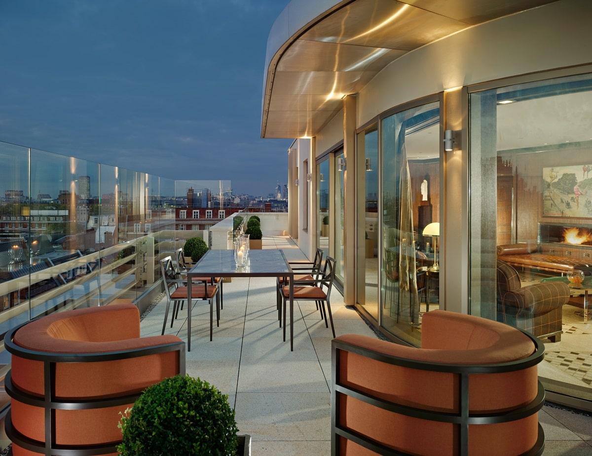 penthouse terrace - 45 park lane evening view-min