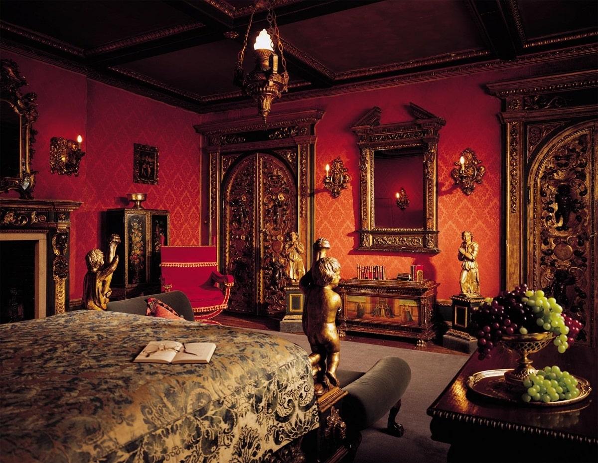 tudor room-min