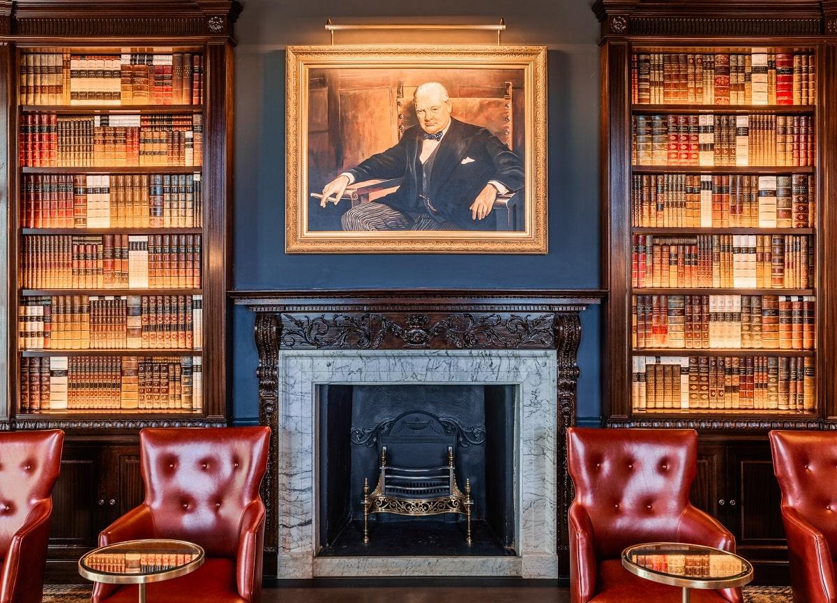 The-Langley-Churchill-Bar-min
